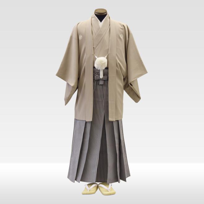 ベージュ地色紋服 + 仙台平(グレー×紺)